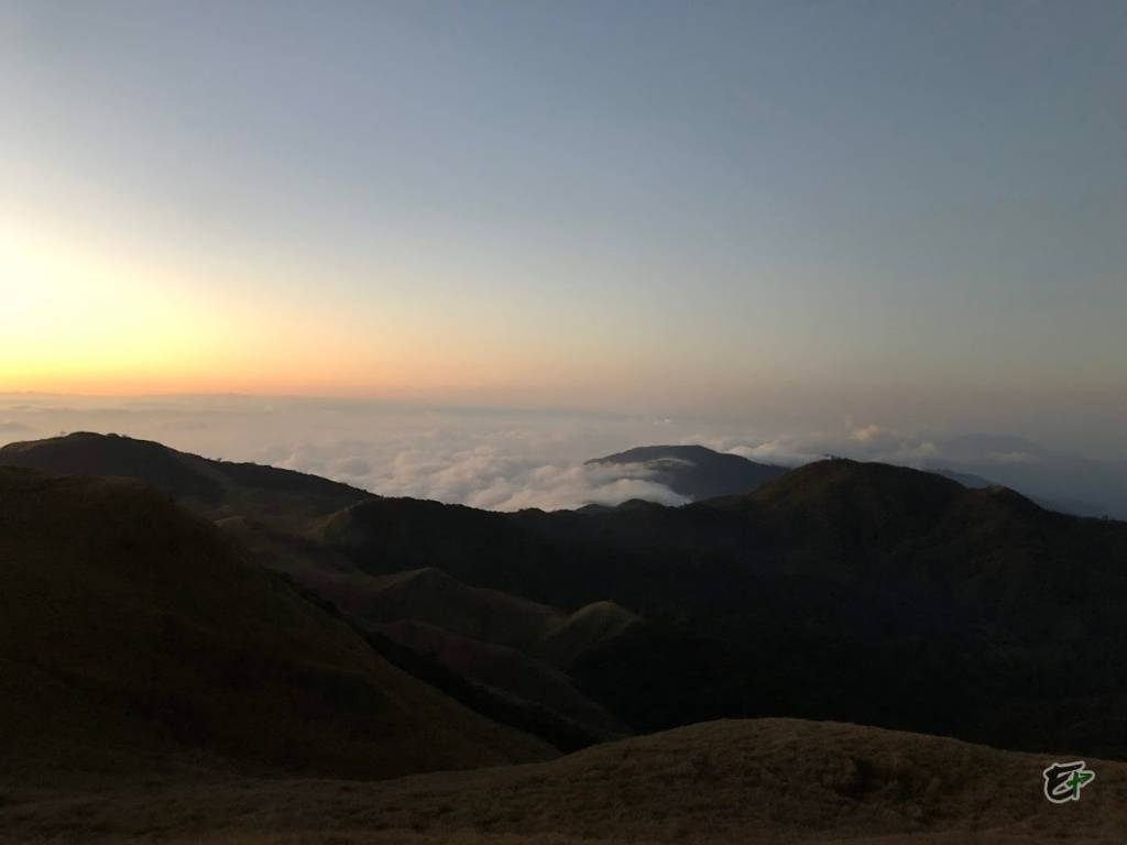 First glimpse of Sea of Clouds (2)