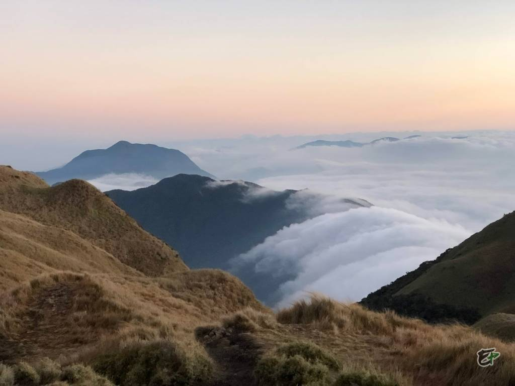 Mount Pulag, Flowing Clouds