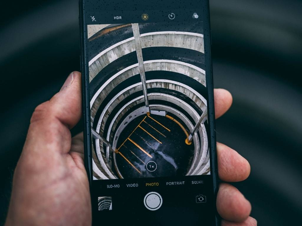 5 FREE & CHEAP ways to expand iPhone Storage while traveling