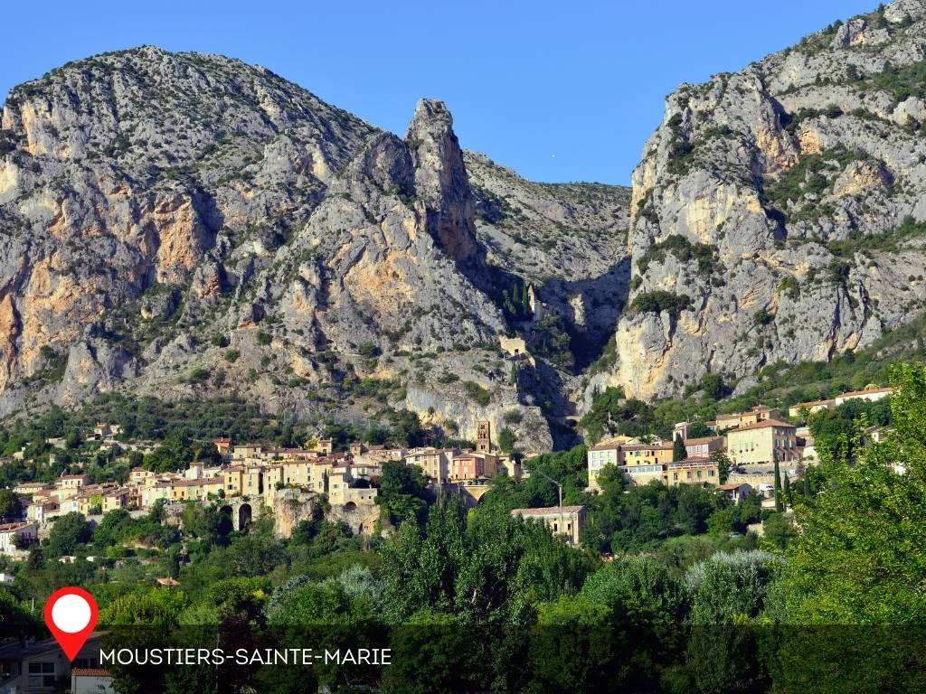 Day in Moustiers-Sainte-Marie, France